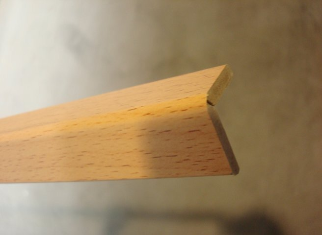 Angle revêtu hêtre 22x22mm L.2.40m PEFC 70%