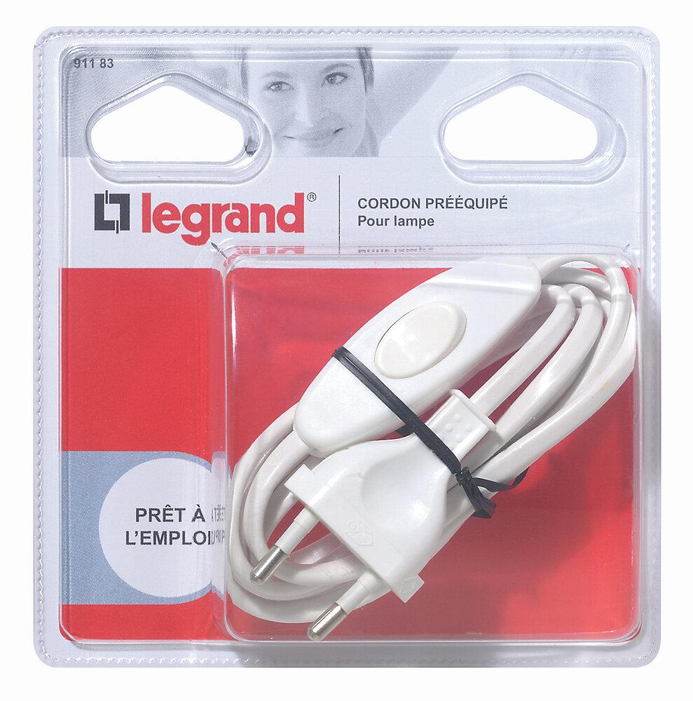 Cordon pré-équipé pour lampe avec fiche mâle et interrupteur 2A- blanc