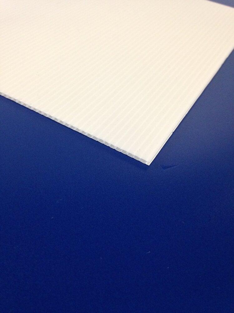 Plaque alvéolaire blanc 500x500x2.5mm